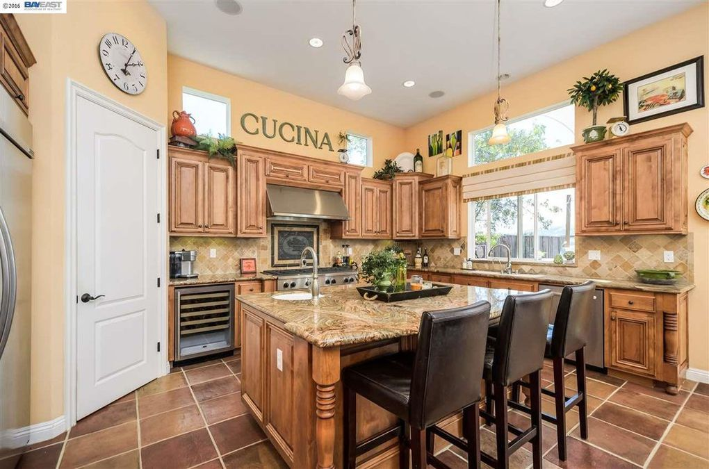 445 Bridle Ct, San Ramon, CA 94582