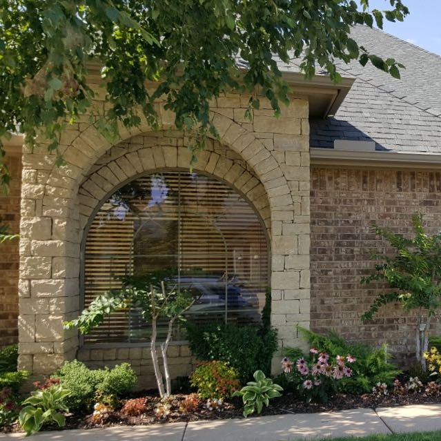 Exterior House Washing North Liberty Iowa: Window Cleaning In Oklahoma City • Shine Bright