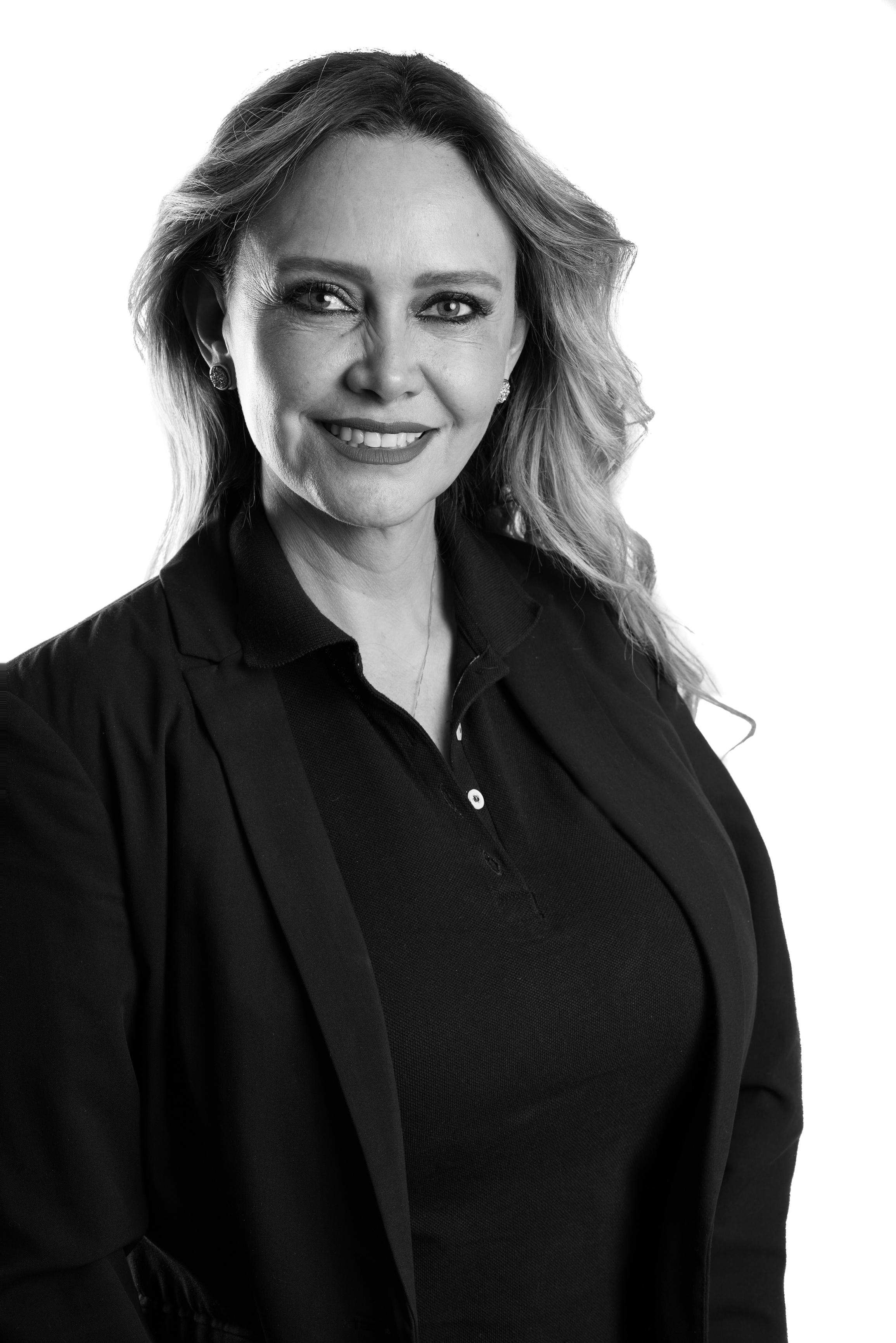 Dra. Claudia Razo