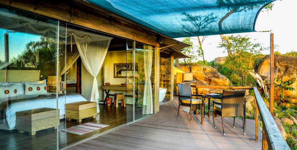 The Lodge has a clean and contemporary design that remain undeniably African at heart, largely through the warmth and vibrancy of the team that call it home.