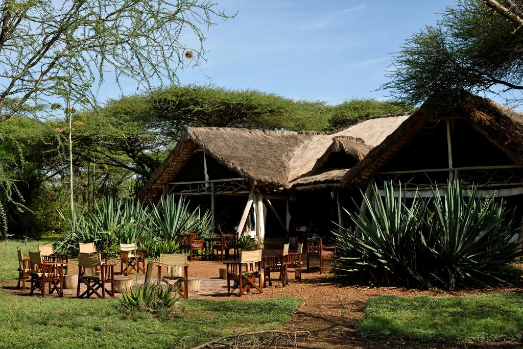 Ikoma Tented Camp is ideally situated at the border of the world-renowned Serengeti National Park, along the path of the migrating wildebeests between Kenya and Tanzania.