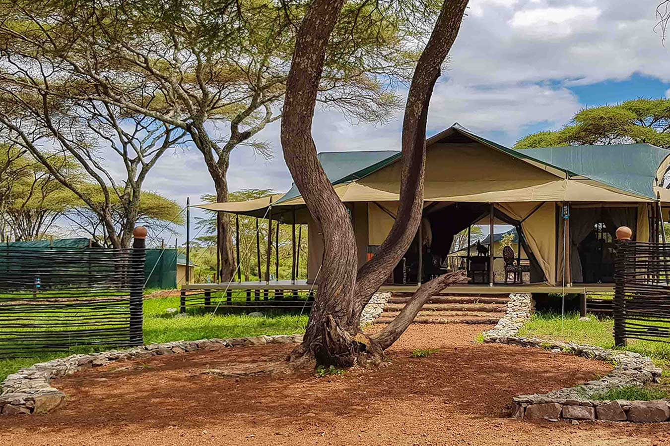 This Luxury Camp is ideally located within Central Seronera area of the famous Serengeti National Park in Tanzania