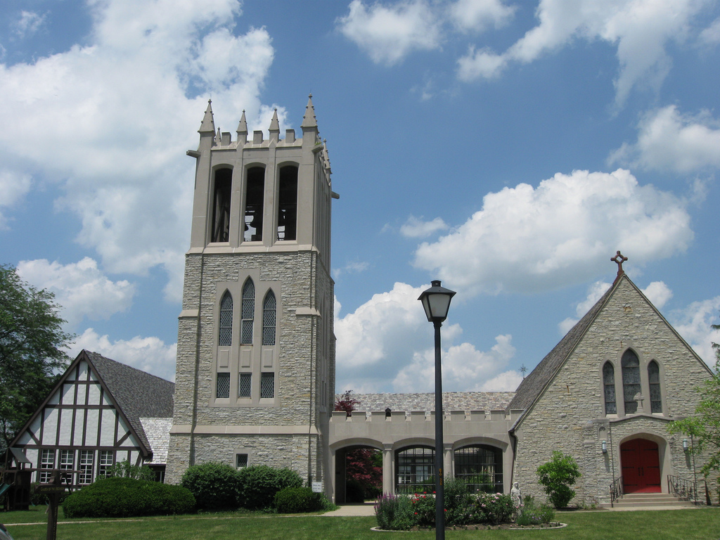 a white brick church in middletown ohio