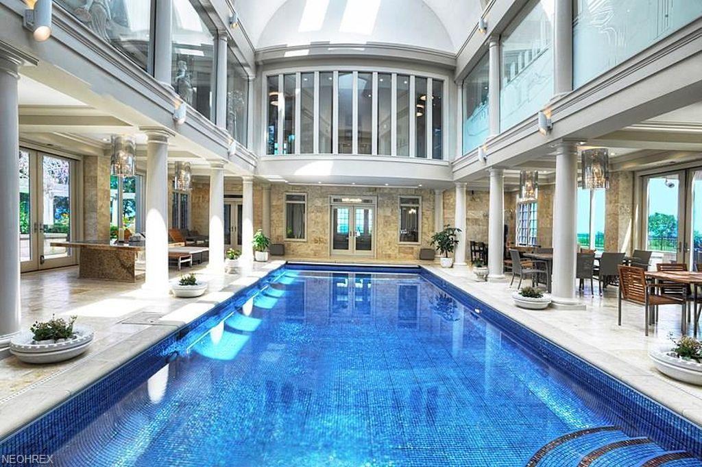 indoor pool in Ohio mansion
