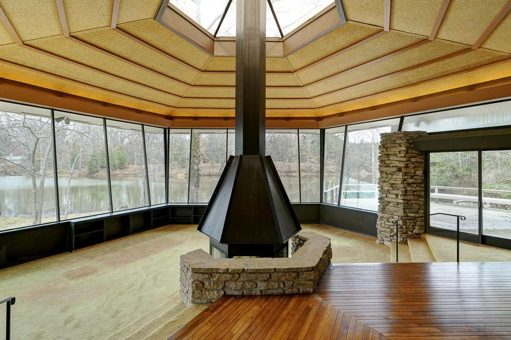 beautiful view from inside of Westerville lakehouse