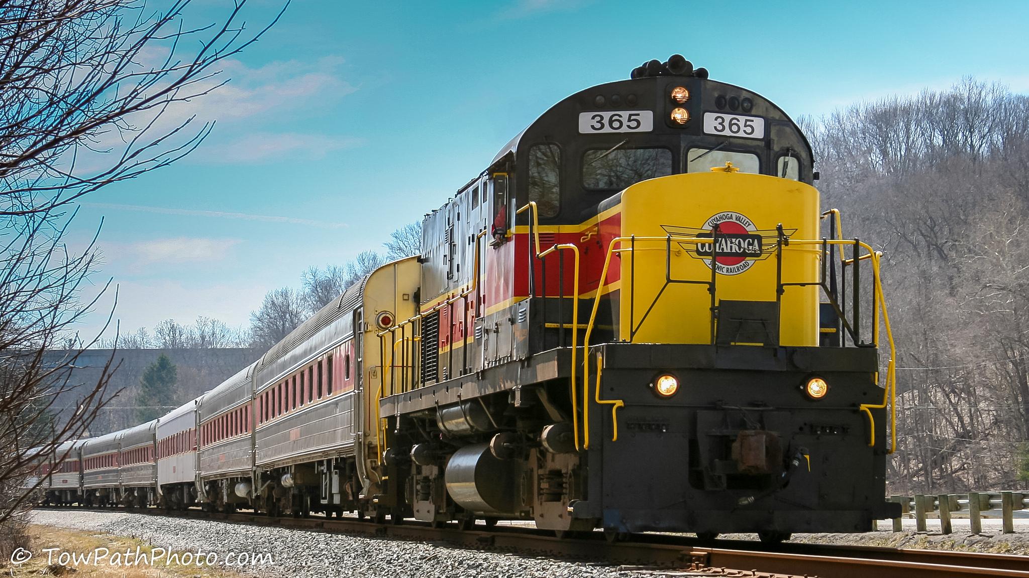 Cuyahoga Falls train