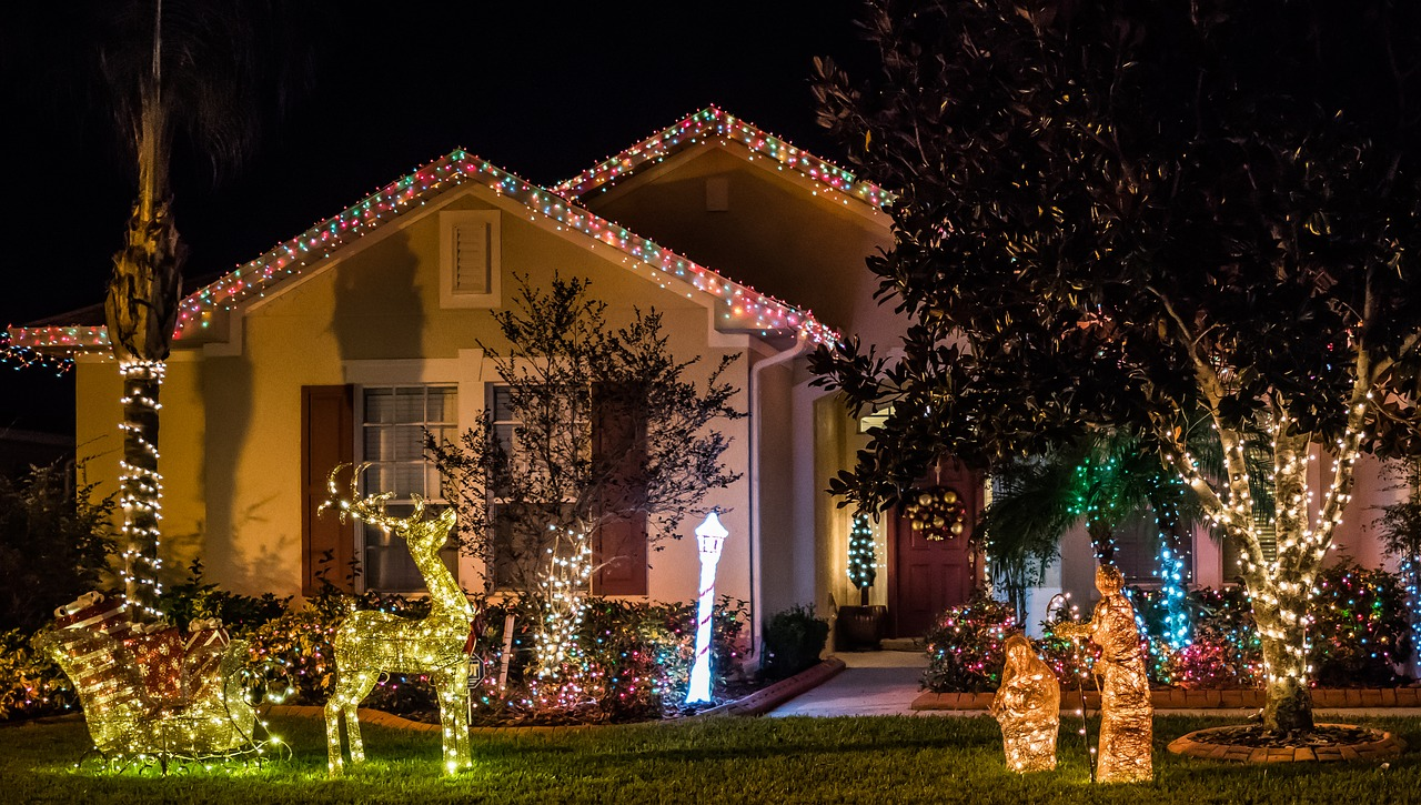 house decorated with tons of Christmas lights