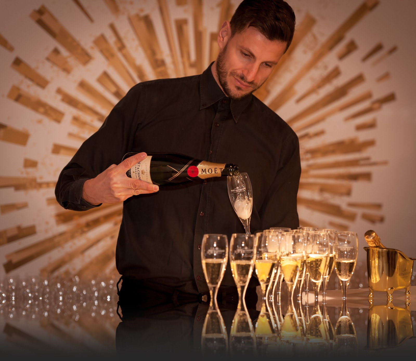champagne being poured at Marriott hotel