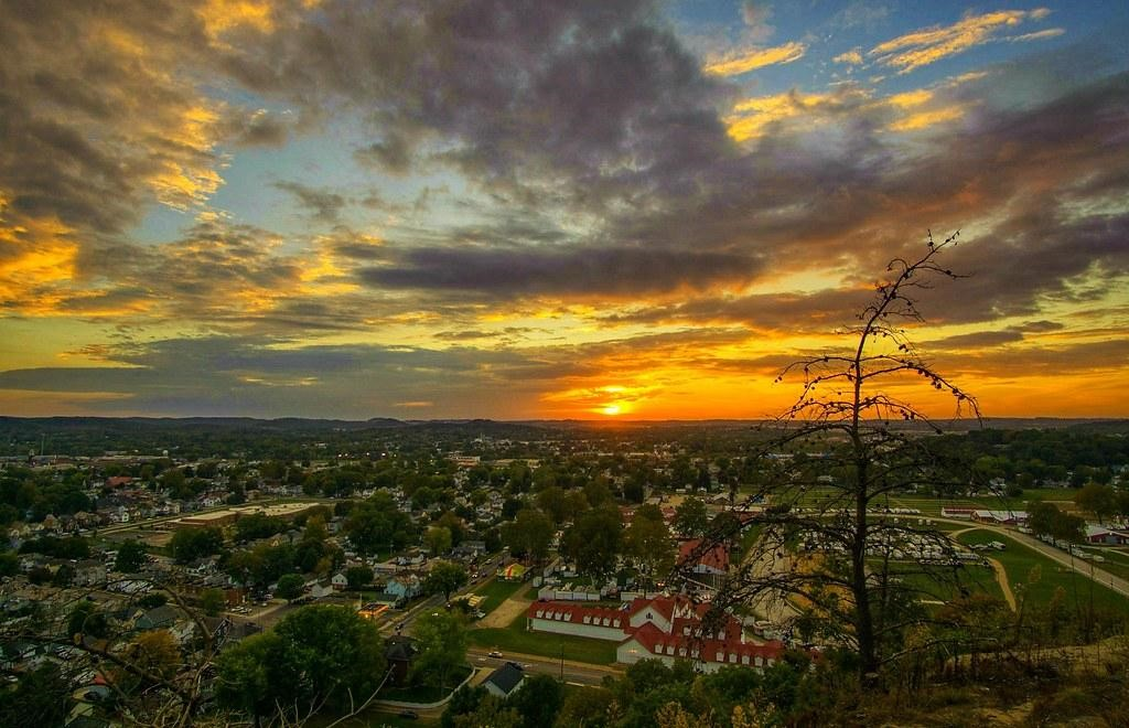 summer sunset in lancaster ohio