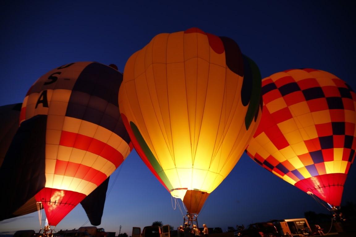 Nearby Marysville has an annual balloon festival.