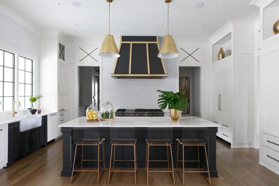 Interior design of a beautiful kitchen bu homes and gardens television