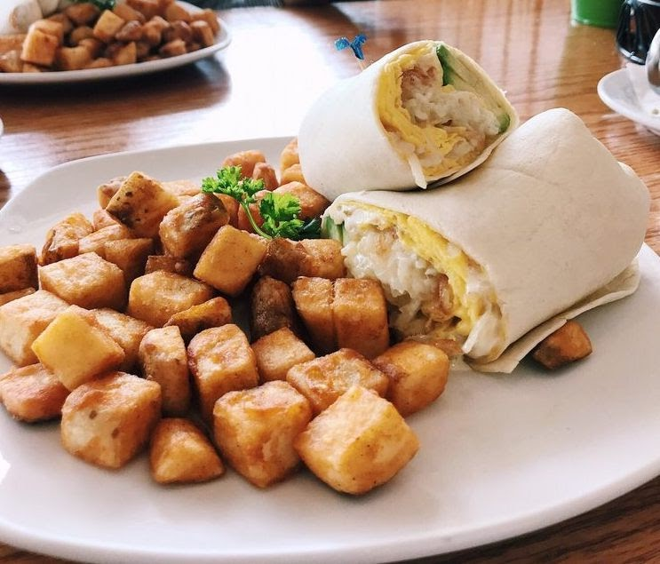 Photo of breakfast wrap from Grand Day Cafe