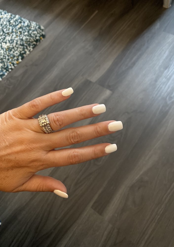 white nail manicure from Elaine Nail Spa