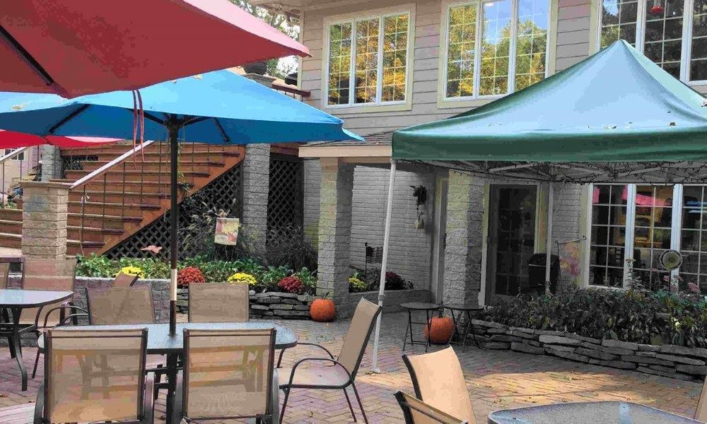 lower patio at Three Oaks Vineyard in Granville Ohio