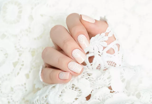 nails with lace