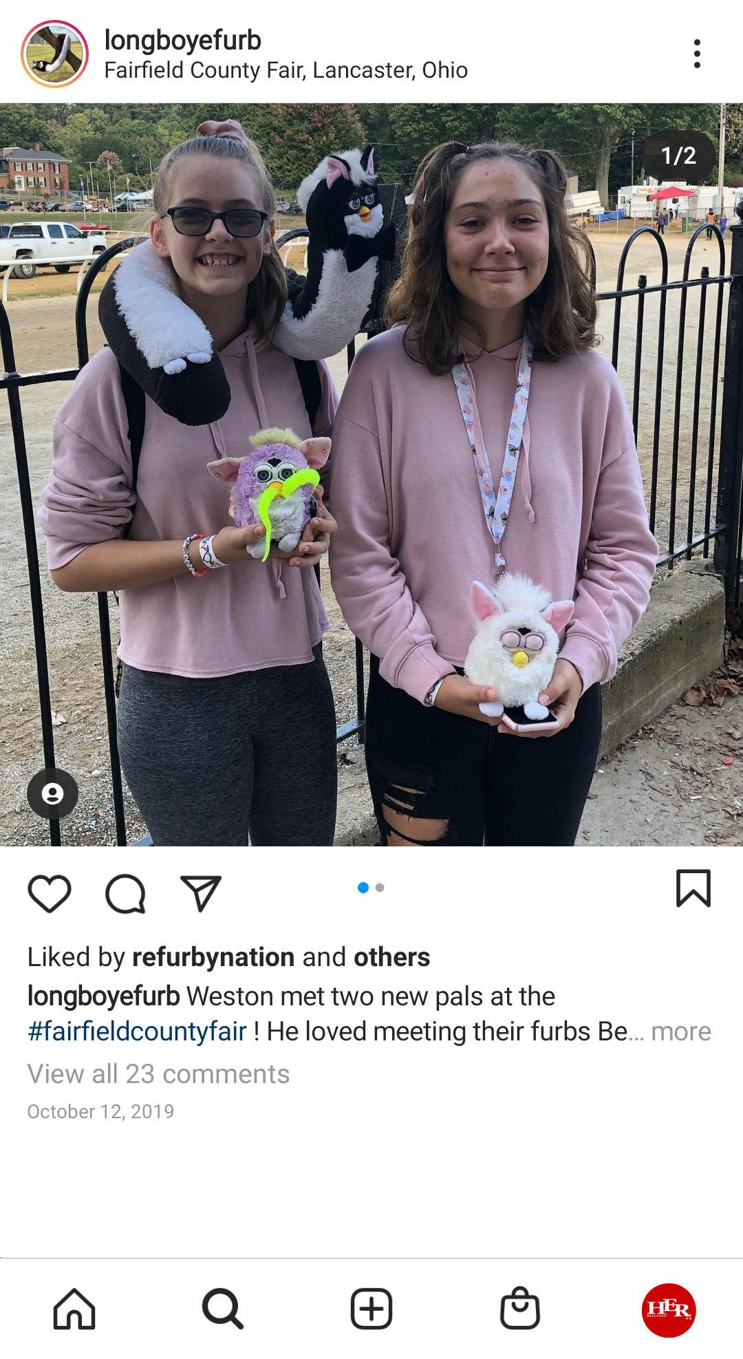 2 girls at Fairfield County Fair