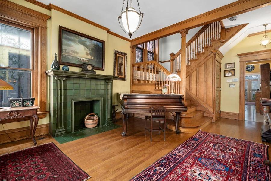 107 E Deshler Avenue Living Room