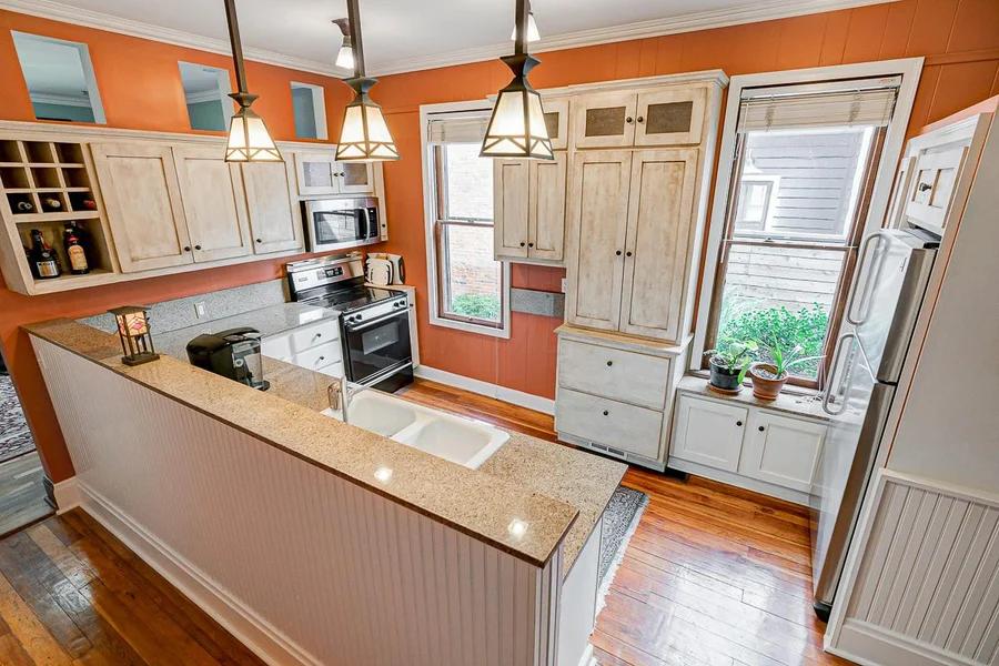 117 E Frankfort Kitchen