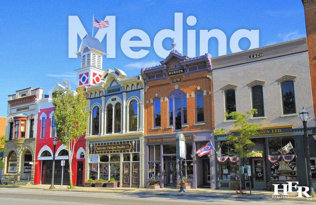 colorful buildings on a sunny day in medina, ohio