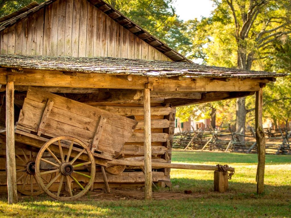 a log cabin home in baltimore ohio