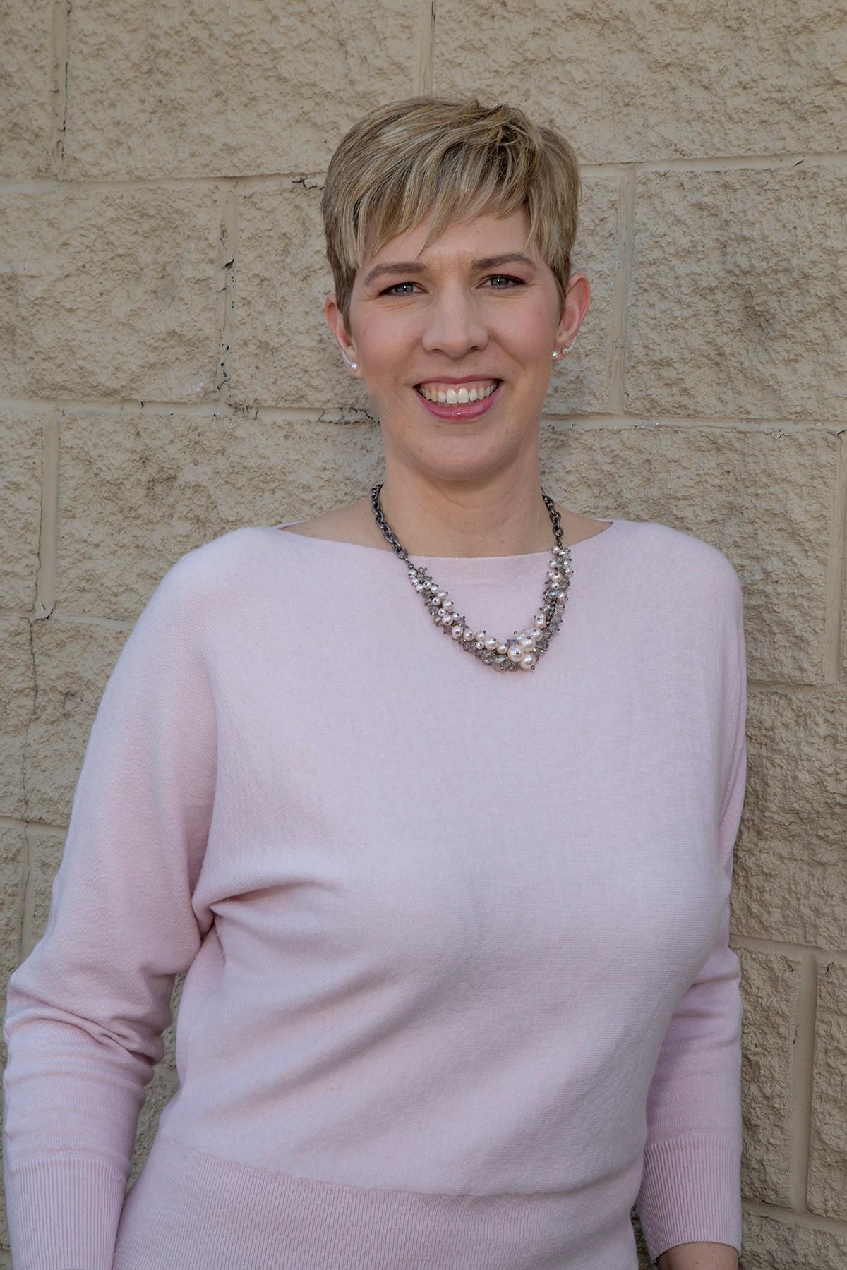 Dr. Majelle Susler