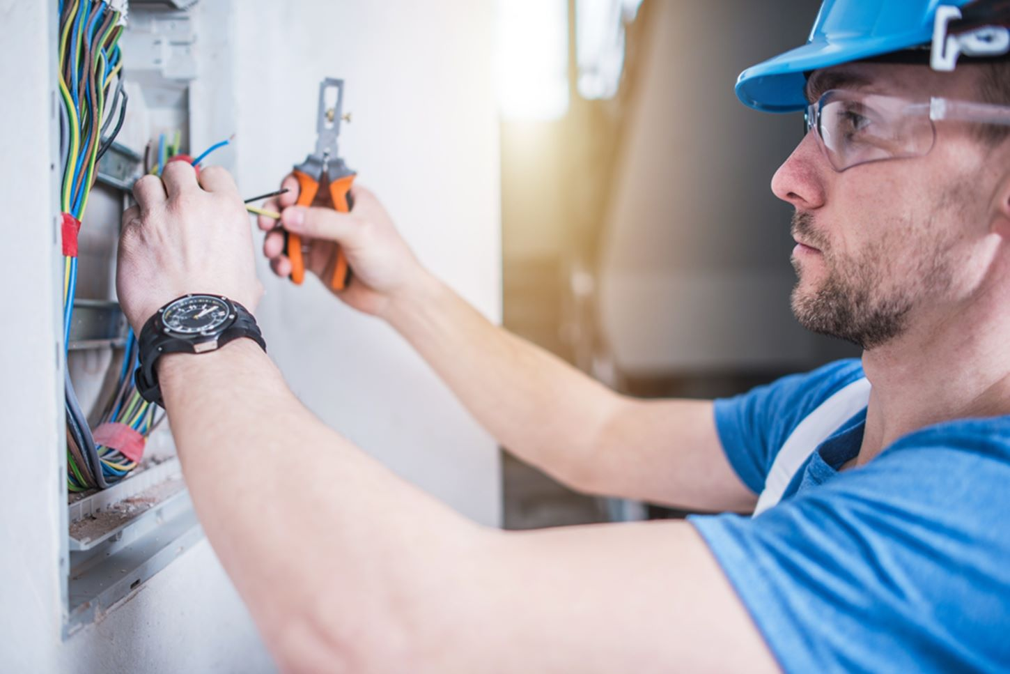 8 Signs You Should Schedule An Electrical Inspection Wiring Home Circuit Breaker Buzzing