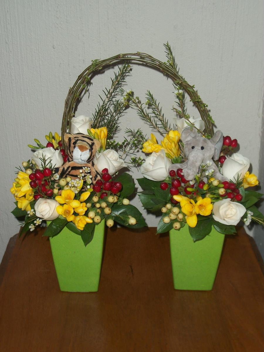 SJ Flowers & Landscaping Flower display