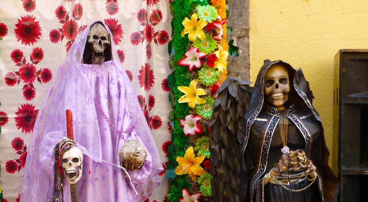 Everyone has lost someone at some point in their lives: a family member, friend or partner whose death caused a great deal of grief. To make this sadness more bearable, they have come up with a special holiday in Mexico