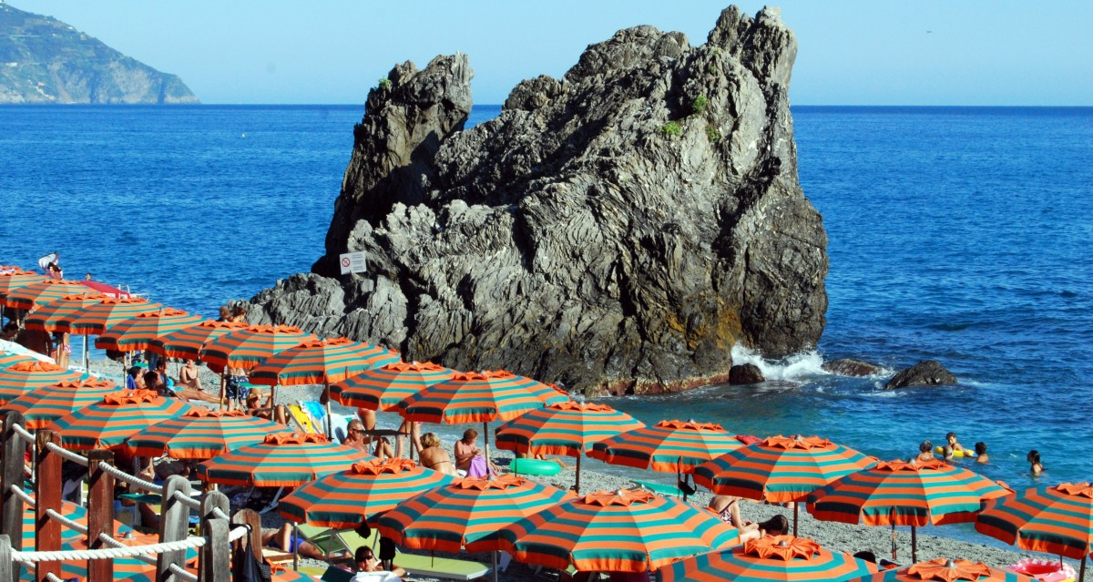 You can enjoy sunbathing in the beaches in the area which include the secluded Fornillo beach, the Spiaggia Grande beach, and San Pietro di Positano hotel beach.