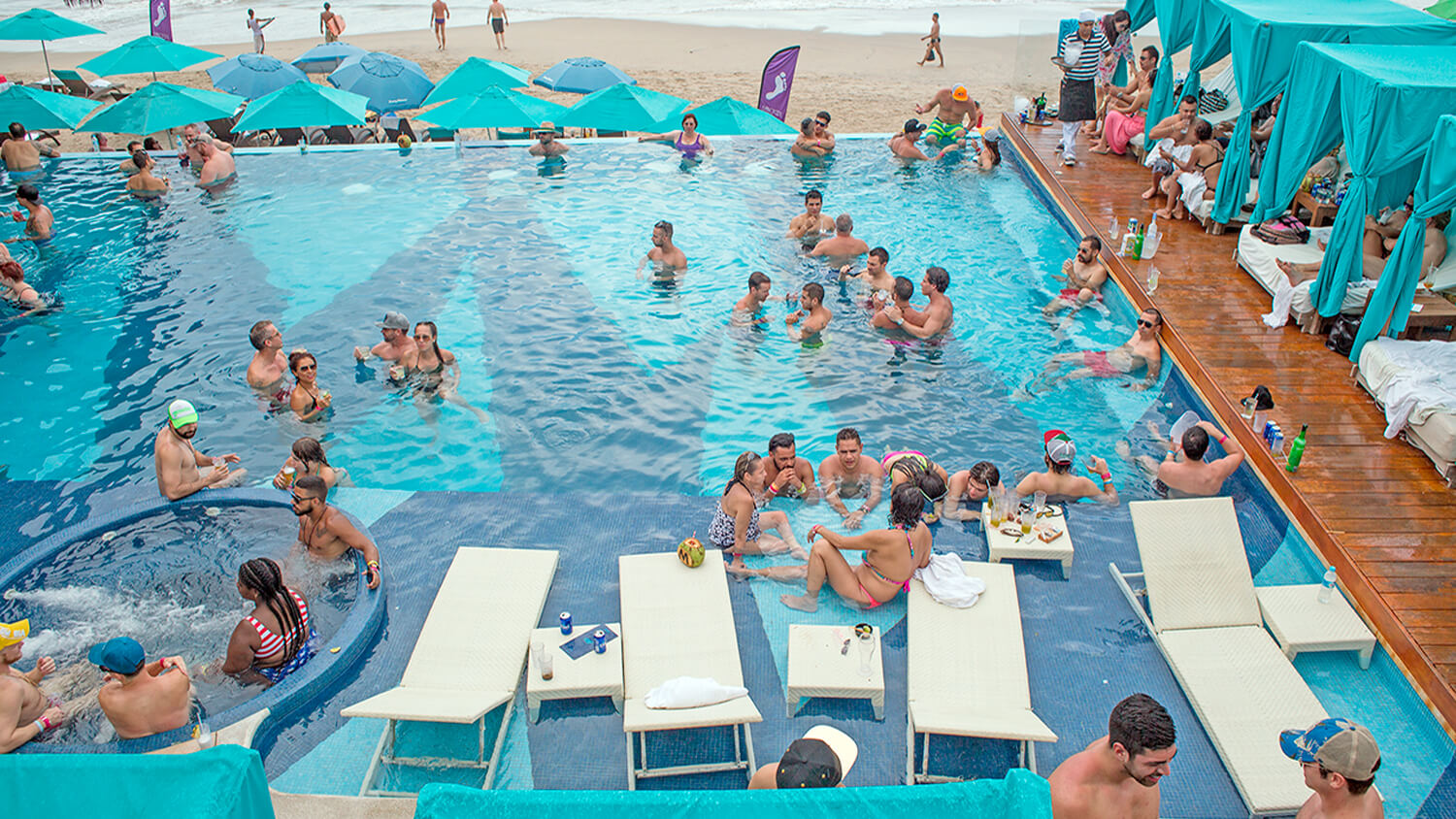You can also visit top-most beaches in Mexico where you can participate in various beach activities like swimming, diving, sunbathing, and boat riding among other fun things.