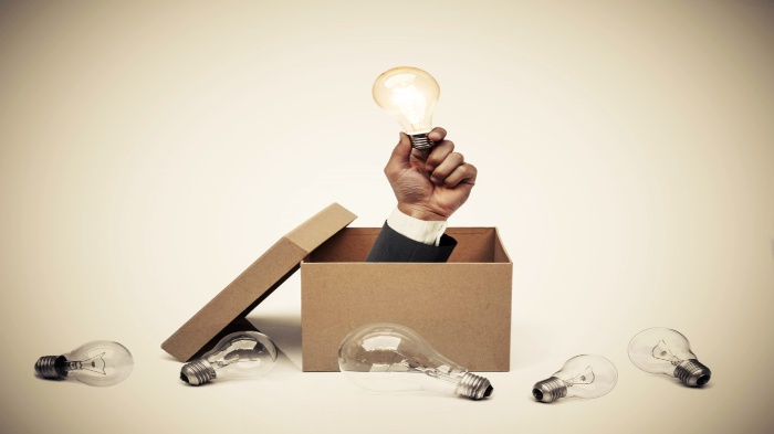5 Packaging Innovations That Are Changing The Industry | Recruiter Blog man holding lightbulb