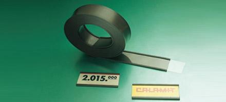 Porte étiquettes magnétique en caoutchouc avec découpes