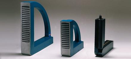 Trois modèles d'équerres magnétiques
