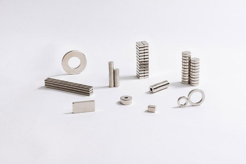 Disques, blocs et aneaux néodyme magnétique et non- magnétique.