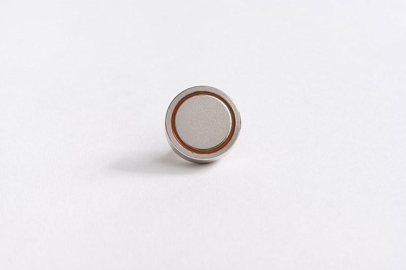 Base magnétique néodyme avec tige filetée vue de dessous