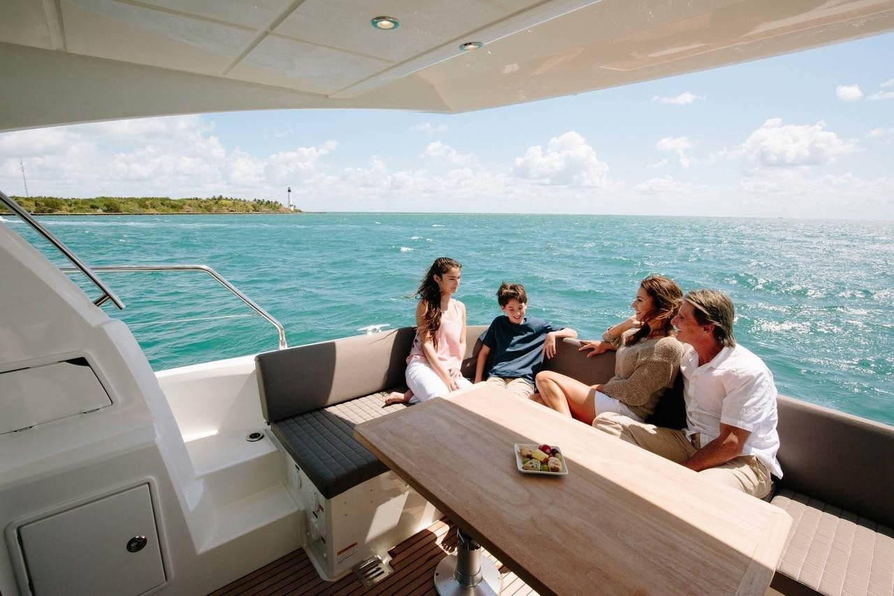 http://www.yachtinglifestyle365.com/wp-content/uploads/2018/12/0c6fe0c373cc8e1a2431f84146de6247.jpeg