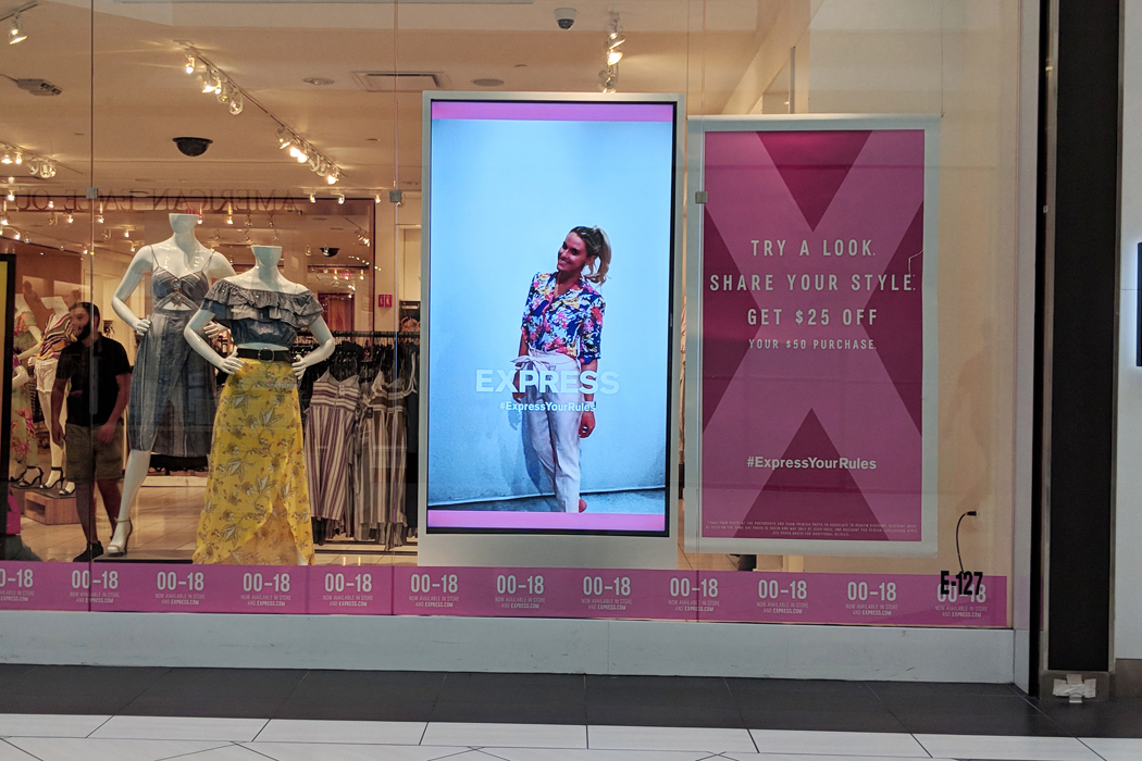 EXPRESS ES Pink Window