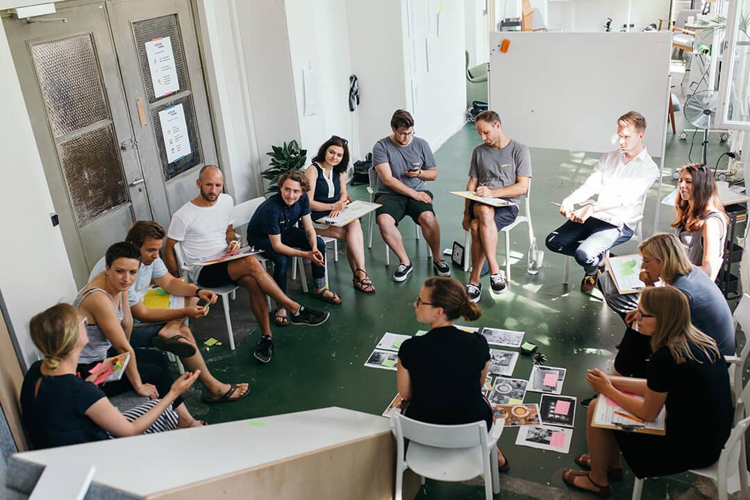 Menschen bei einem Intraprenör Workshop
