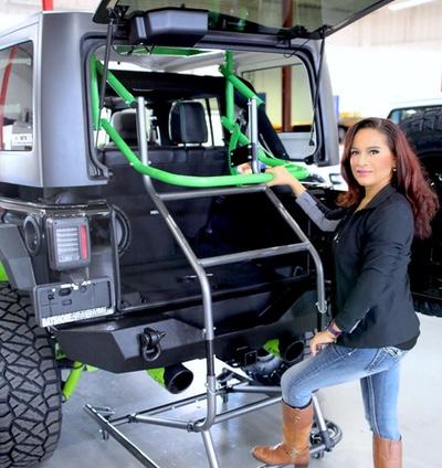 Jeep hardtop removal tool