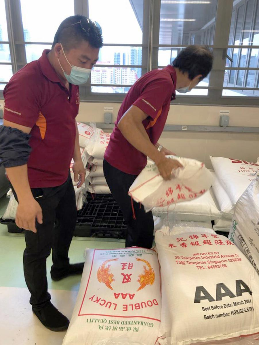 Amaris B. Clinic is humbled to play a part in supplying the hospital with food staples such as rice and essentials as part of our continuous community outreach programme.