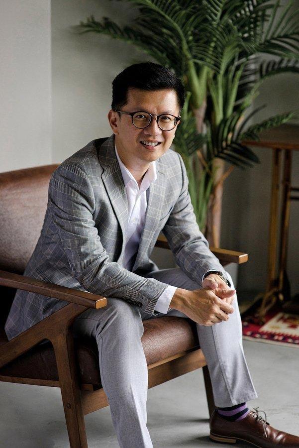 Dr Ivan Puah VASER Lipo doctor Singapore