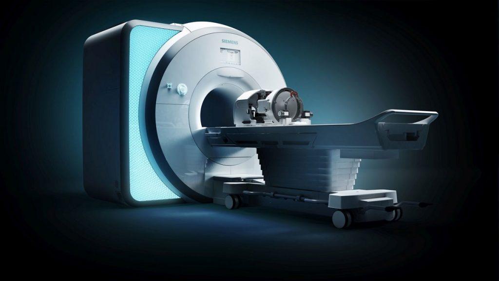 Exablate Neuro avec Siemens Healthineers Skyra MRI.  PRNewsfoto / Siemens Healthineers