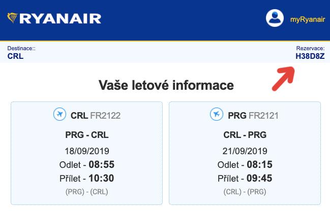 Screenshot emailu, který nám přišel z mailu itinerary@ryanair.com - červená šipka na screenshotu ukazuje na rezervační číslo.