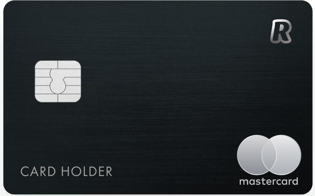 Velmi elegantní černá karta Revolut, která se vydává k účtu METAL, jehož vedení stojí 299,99 Kč měsíčně.