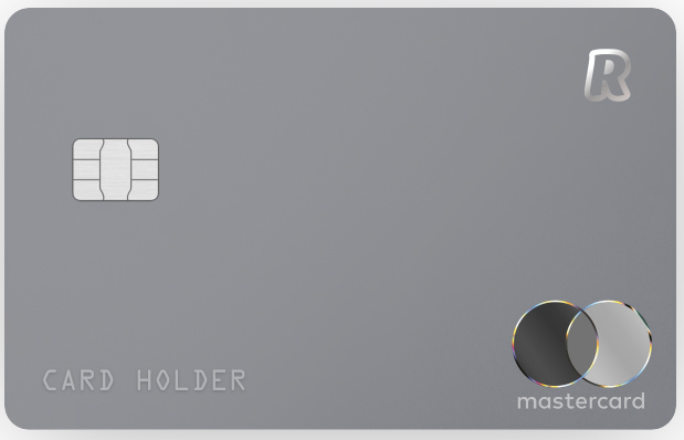 Stříbrná karta Revolut, která se vydává k účtu PREMIUM, jehož vedení stojí 174,99 Kč měsíčně.