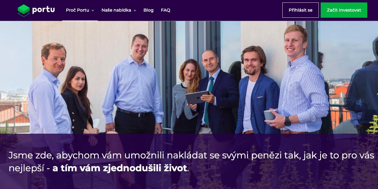 Webová stránka služby Portu, na které je fotka týmu, který za Portu stojí.