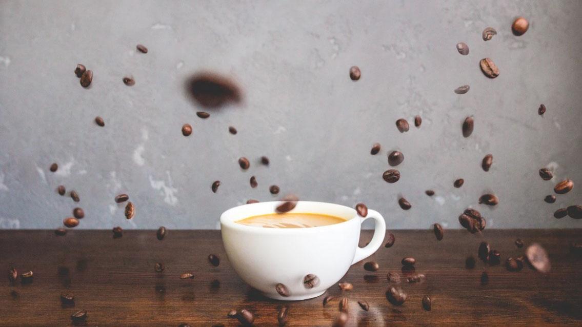 Críticas, café e feedback: Dicas para ouvir e fazer críticas que terminem em café.
