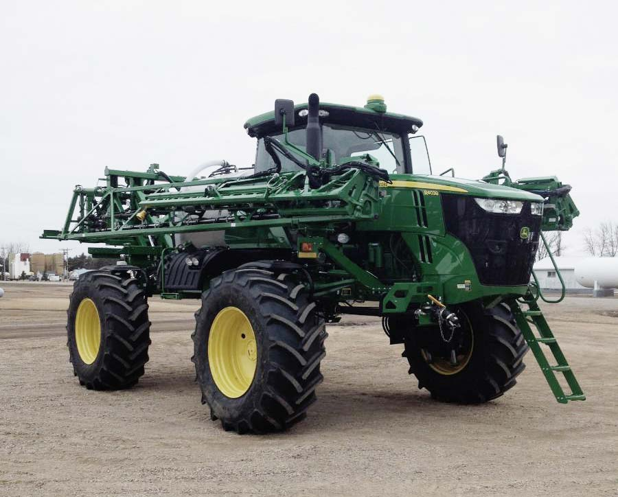 John Deere R4038 sprayer with floaters/flotation tires