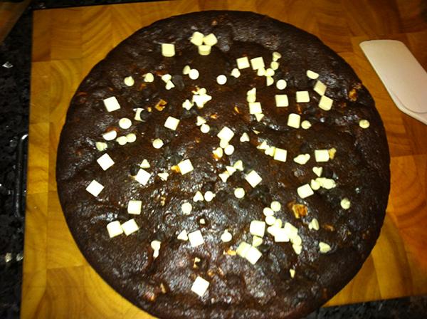 white chocolate chip cookie cake