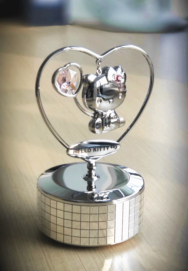 Hello Kitty Crystal Music Box Rosaline | crystocraft.cm
